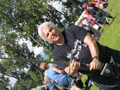Doug seems a little more comfortable with the sword! People loved his What`s Under Your Kilt  t-shirt.